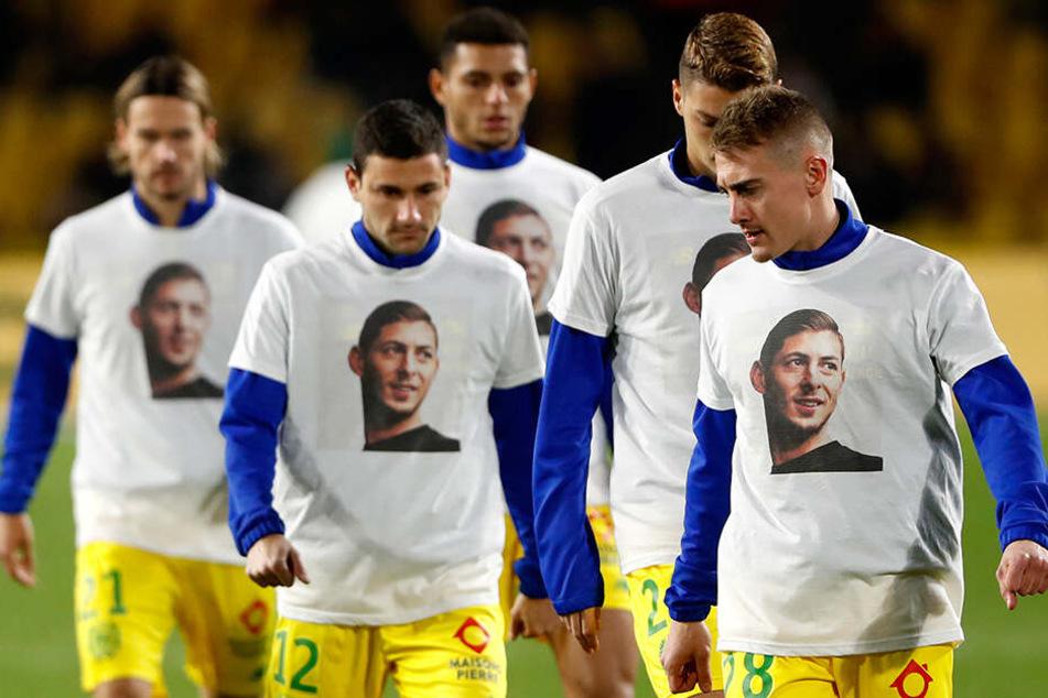Spieler von Nantes gedenken Emiliano Sala.