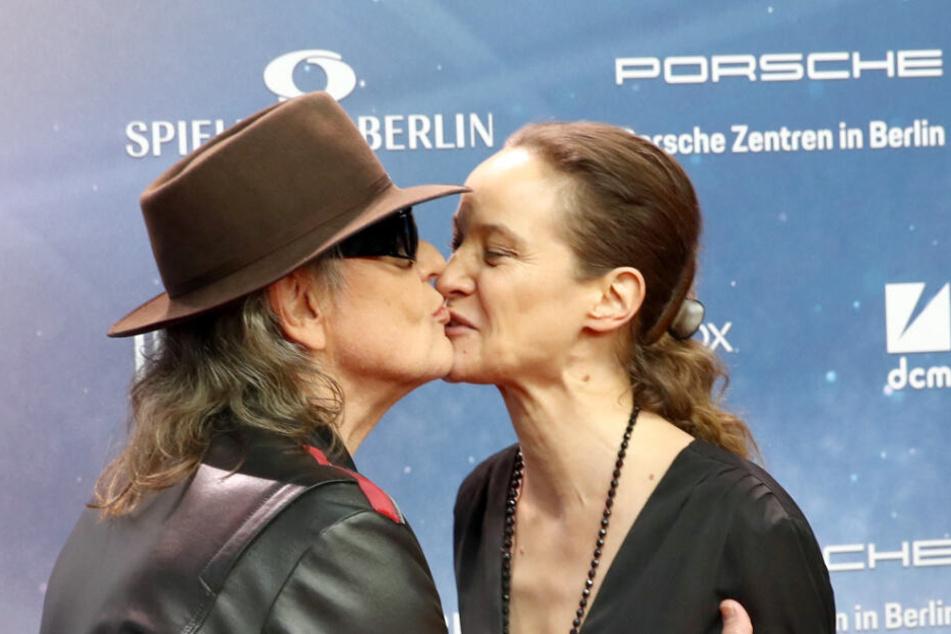 Für Schauspielerin Jeanette Hain gab es einen Kuss vom Panikrocker.