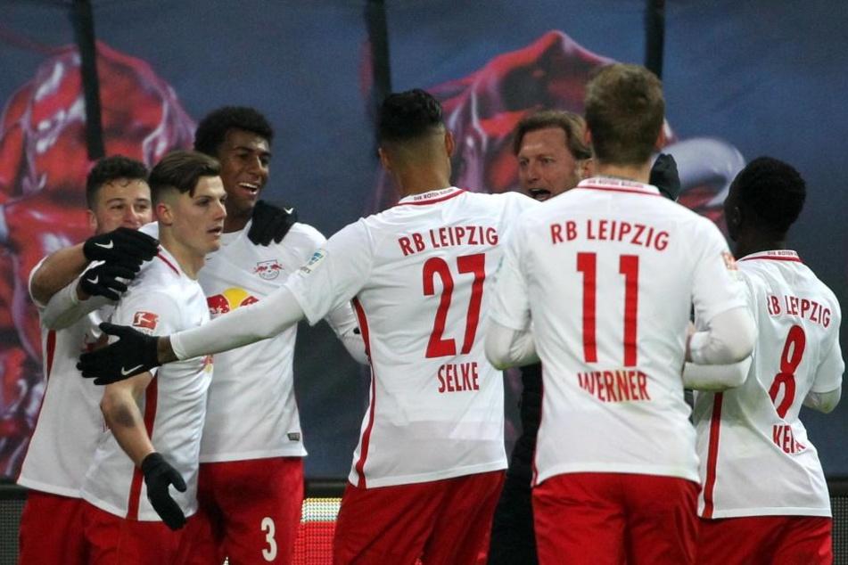 Für die Kicker von RB Leipzig läuft es in der Liga. Kein Grund für die Verantwortlichen, teure neue Stars für die nächste Saison zu holen.