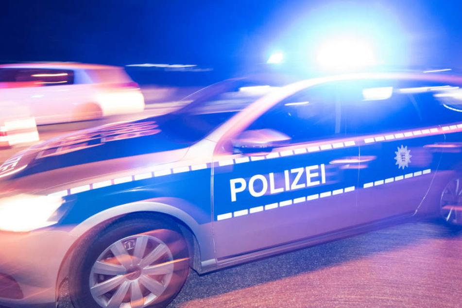 Die Polizei war schnell vor Ort, doch die Täter waren längst geflohen (Symbolbild).