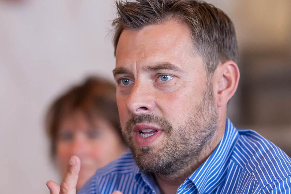 Matthias Krauß (43) ist einer der Betreiber der Eisbahn.