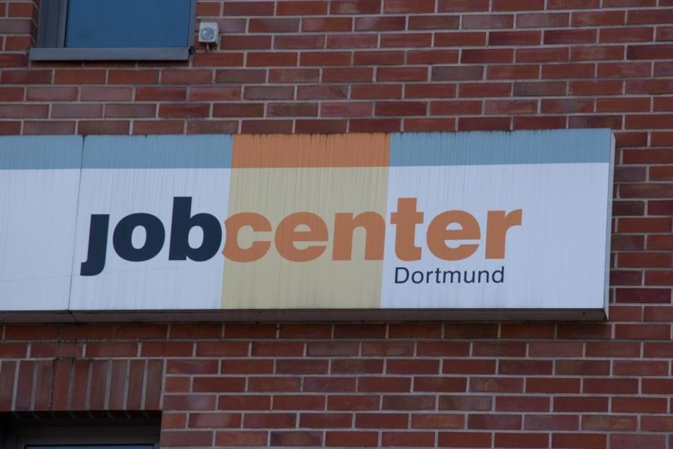 Das Jobcenter in Dortmund zeigte sich knallhart und kürzte die Leistungen.