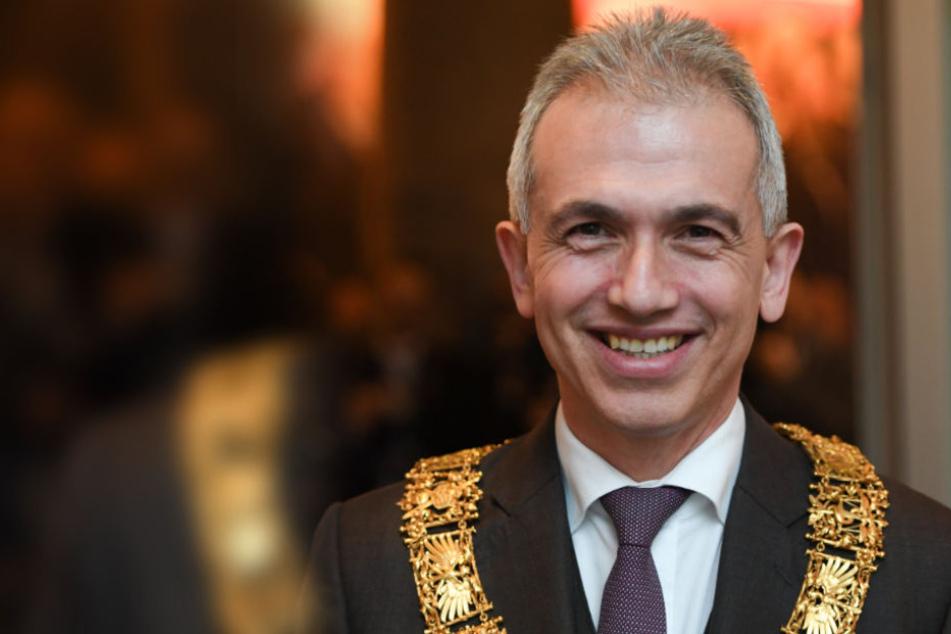 Peter Feldmann für zweite Amtszeit vereidigt