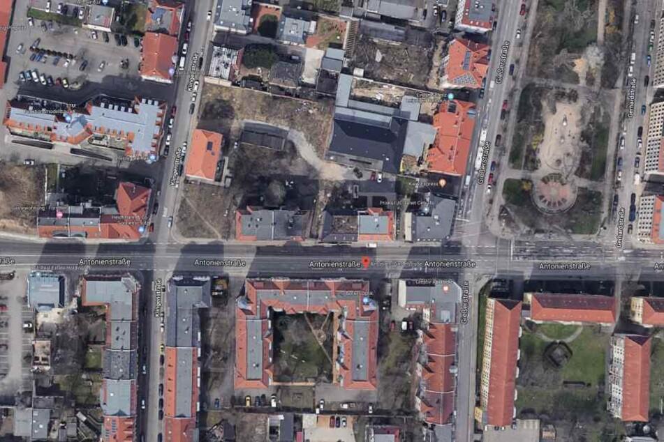 Der Vorfall ereignete sich an der Haltestelle Antonien-/Gießerstraße im Stadtteil Plagwitz, behauptet Petra M.