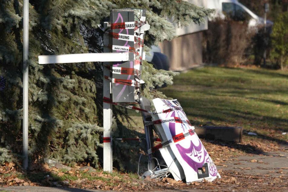 Der gesprengte Automat in der Carl-von-Ossietzky-Straße.