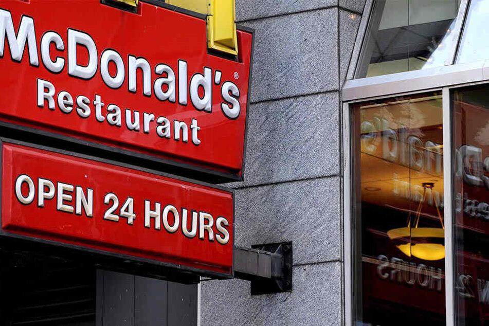 In den USA ließ ein Mann drei Kinder bei McDonald's einfach sitzen.