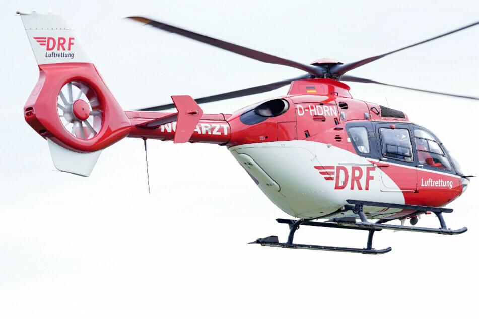 Auch ein Rettungshubschrauber kam bei dem Unfall auf der K 7888 zum Einsatz. (Symbolbild)