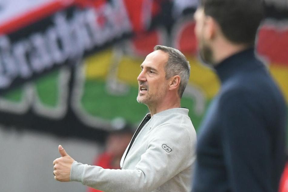 Eintracht-Coach Adi Hütter glaubt fest daran, dass sein Team den für Europa notwendigen Punkt beim FC Bayern holen kann.