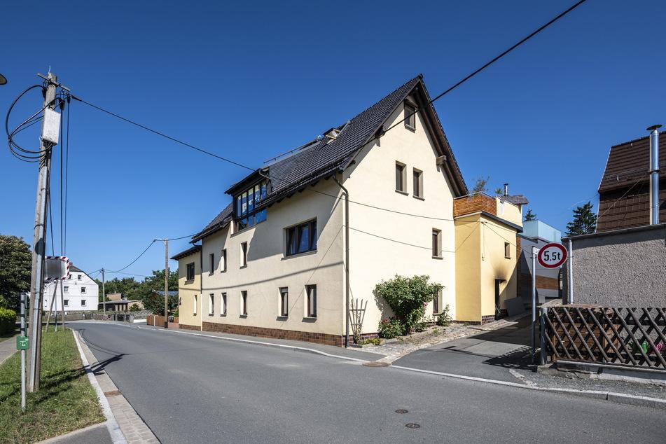 Das Wohnhaus in Kleingera überstand das Großfeuer nach außen hin tadellos.