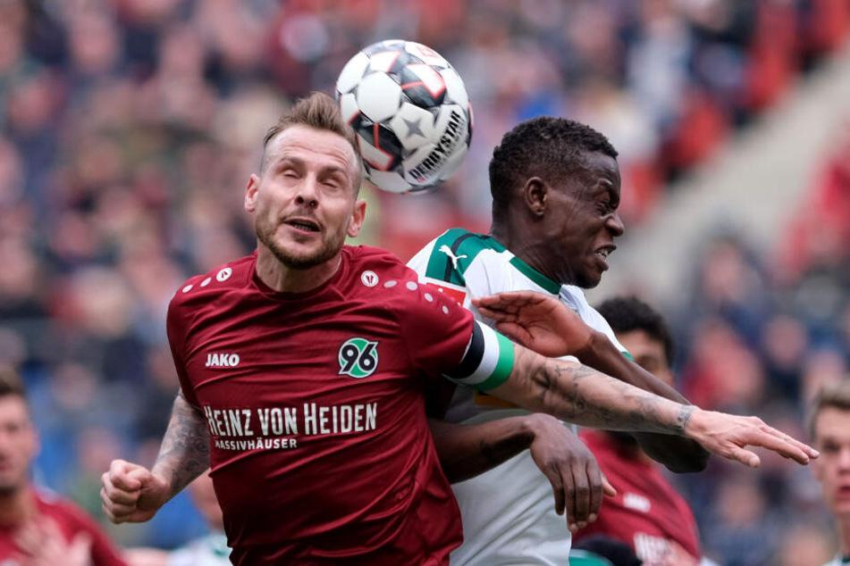 Marvin Bakalorz warf sich in der vergangenen Saison für Bundesliga-Absteiger Hannover 96 in die Zweikämpfe.