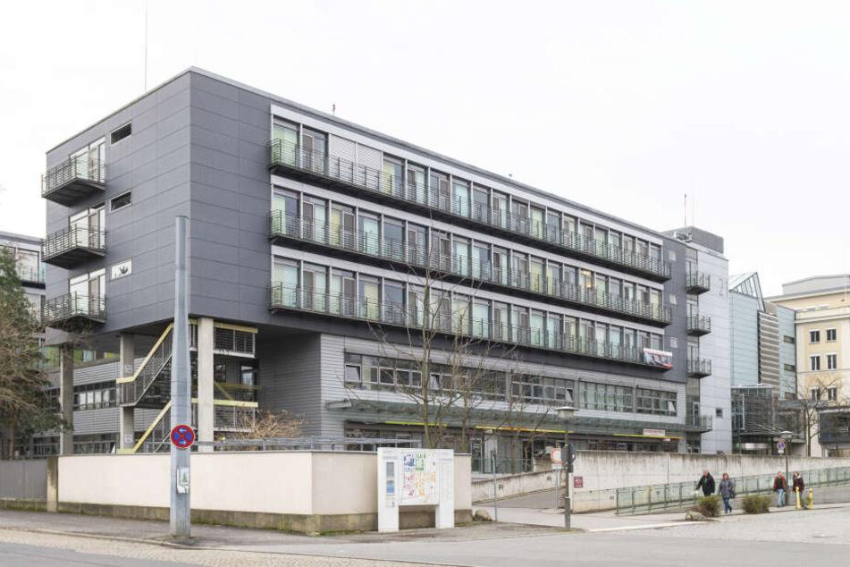Das Universitäts-Zentrum für seltene Erkrankungen (USE) befindet sich zusammen mit der Frauen- und Kinderklinik im Haus 21.