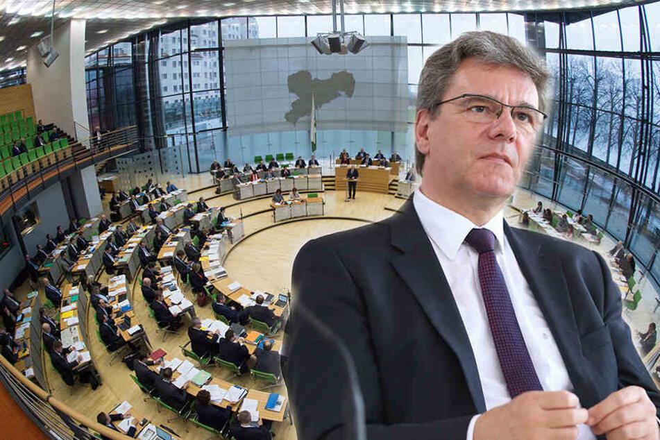 Die CDU im sächsischen Landtag stellt die größte Fraktion. Sie sitzt links, nur  die AfD (und ihre Ex-Mitglieder) haben ihre Plätze weiter außen. CDU-Fraktions-Chef Frank Kupfer (rechts).