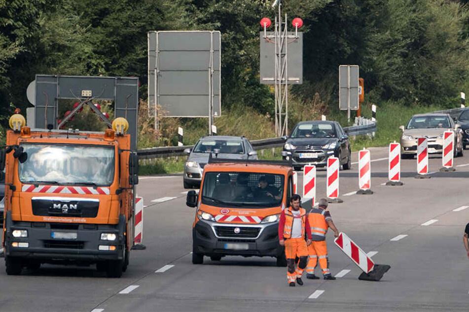 Die Autobahn 33 in Paderborn wird für etwa fünf Stunden voll gesperrt. (Symbolbild)