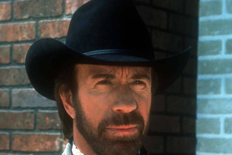 """Chuck Norris ist zurück! Ab 24. Februar wird der """"Texas Ranger"""" wieder für Recht und Ordnung sorgen."""