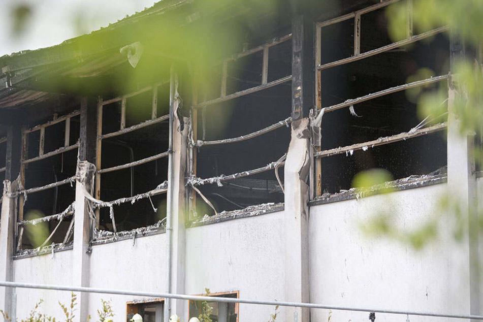 Der Verurteilte legte im August 2015 die Sporthalle eines Oberstufenzentrums in Brand.