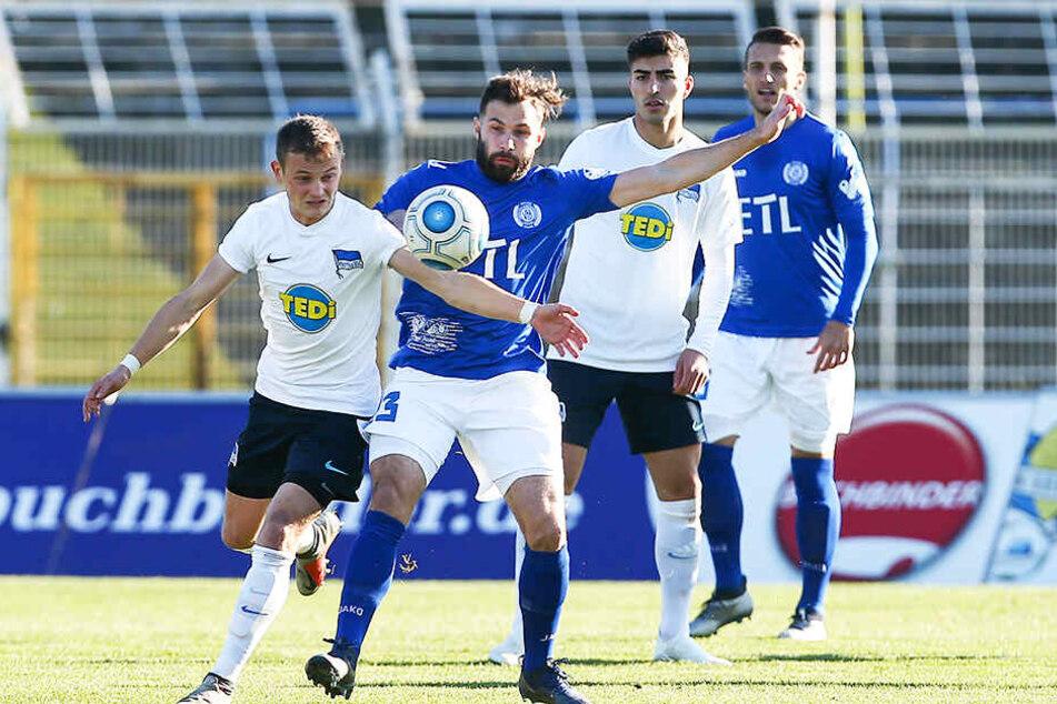 Nils Blumberg (l.) verstärkt den Chemnitzer FC in der kommenden Saison.
