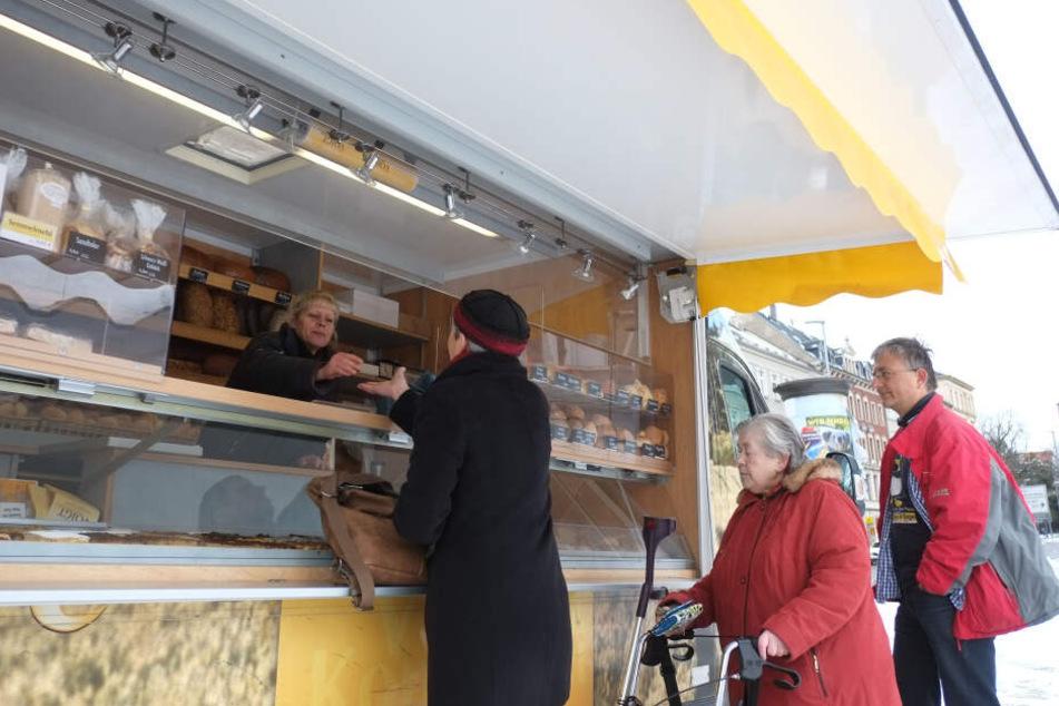 Beliebt bei den Kunden: Die Marktstände an der Georgstraße.