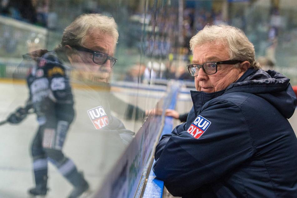 Hat Eislöwen-Geschäftsführer Volker Schnabel einen neuen Trainer für seine Mannschaft gefunden?