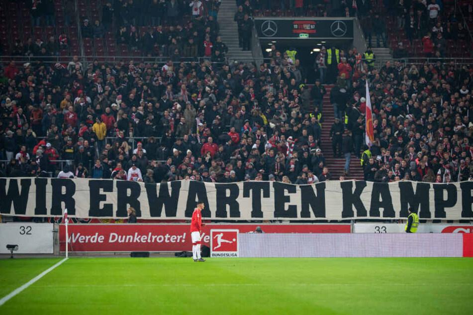 Die VfB-Fans sind bescheiden am Sonntag in der Mercedes-Benz Arena.