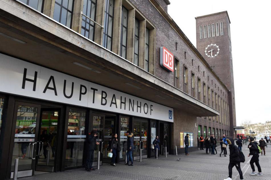 Alarm am Hauptbahnhof! Oberleitung reißt und fällt auf S-Bahn