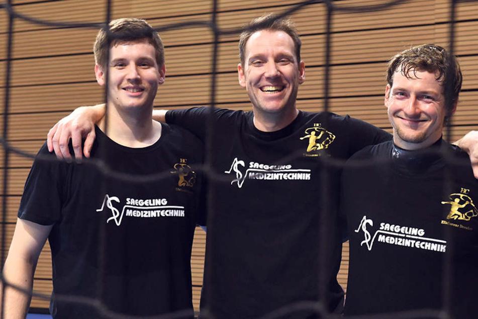 Sie freuen sich aufs Derby: HCE-Torwart-Trainer Timo Meinl (M.) mit seinen Schützlingen HendrikHalfmann (l.) und Mario Huhnstock.