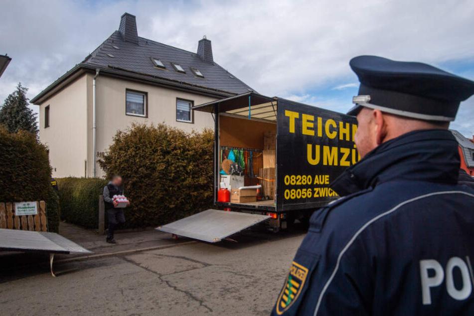 Am Dienstag begann unter Polizeischutz die Zwangsräumung der Wohnung.