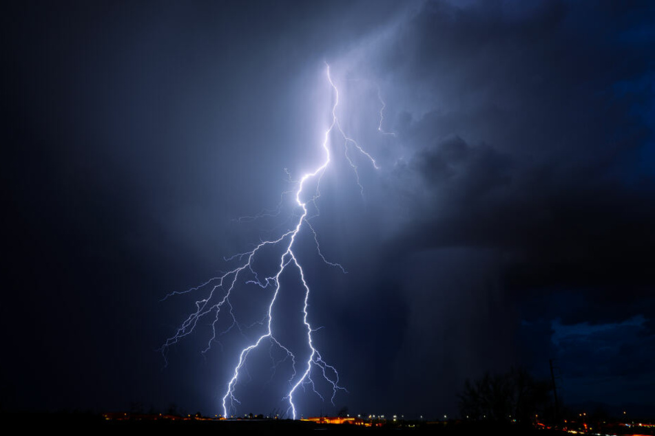 Im Westen kommt es am Mittwoch zu Gewittern mit Starkregen.