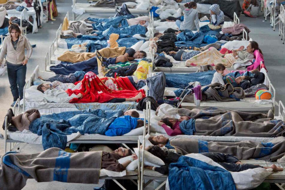 Die Flüchtlinge, die im Land bleiben können, brauchen nach den Notunterkünften eigene Wohnungen. (Symbolbild)