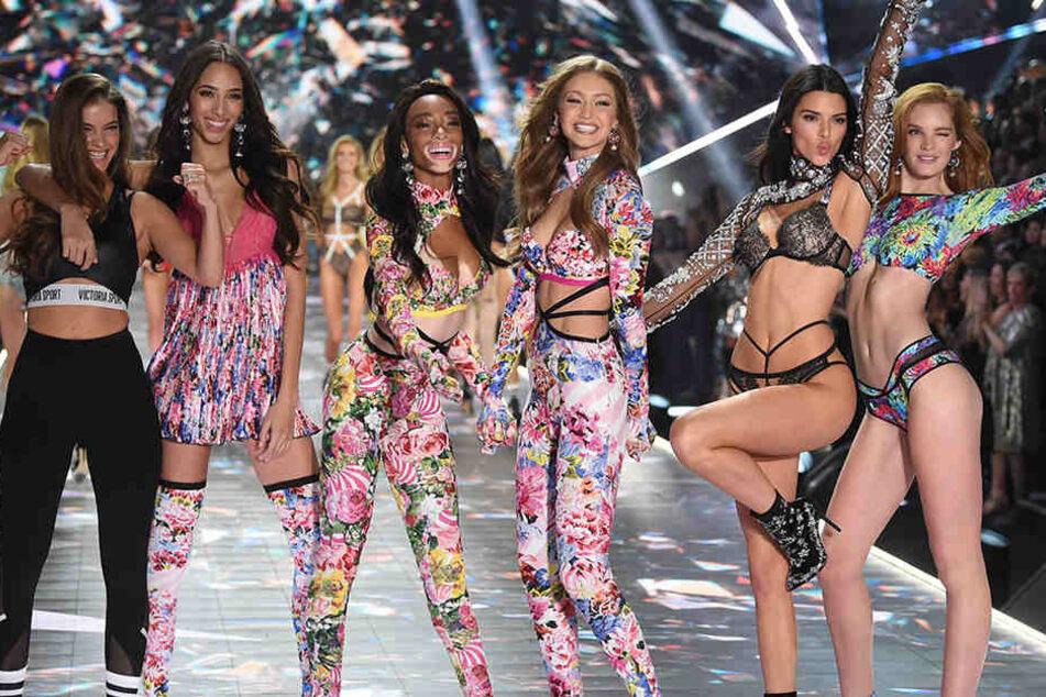 """Lange Beine, flache Bäuche: So sehen die Models von """"Victoria's Secret"""" aus."""