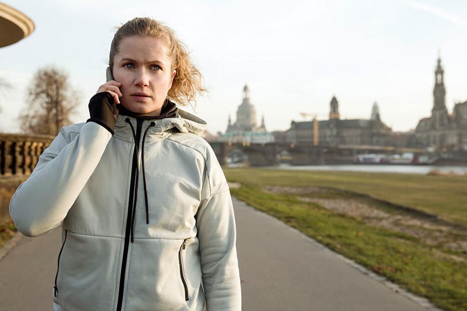 So kennen wir sie: Cornelia Gröschel (31) in ihrer Rolle als Tatort-Kommissarin Leonie Winkler.