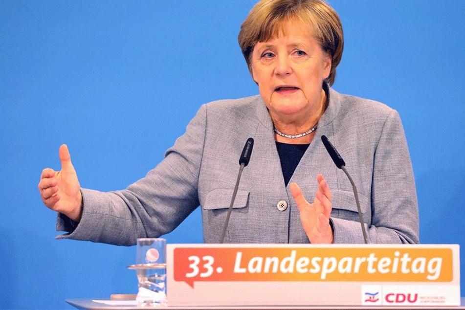 Berät mit auf dem Landesparteitag, wie es nun weitergehen soll: Angela Merkel (63, CDU).
