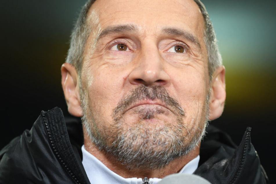 Nicht zufrieden: Das Foto vom 4. Februar 2020 zeigt Frankfurts Trainer Adi Hütter.