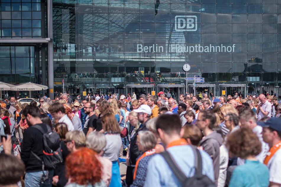 Die Deutsche Bahn will neue Bahnverbindungen für die Pendler-Strecken erarbeiten.