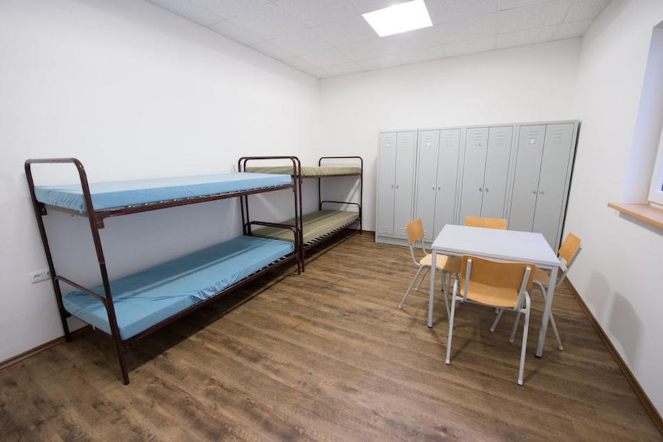 In Zimmern wie diesem könnten Obdachlose oder Studenten in verwaisten Asylunterkünften unterkommen. (Symbolbild)