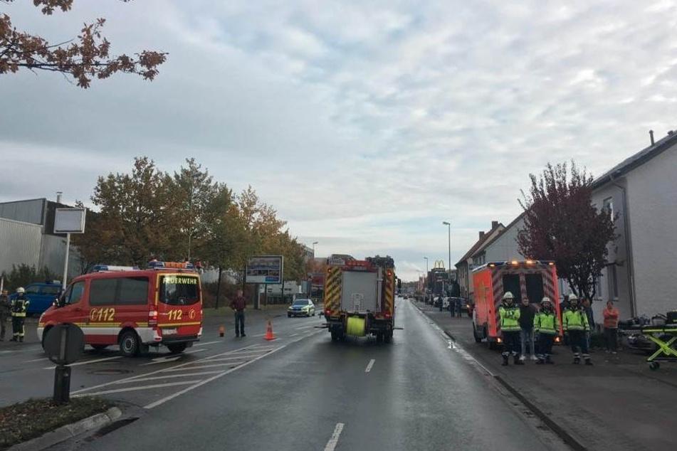 Die Eckendorfer Straße wurde von der Polizei komplett gesperrt.