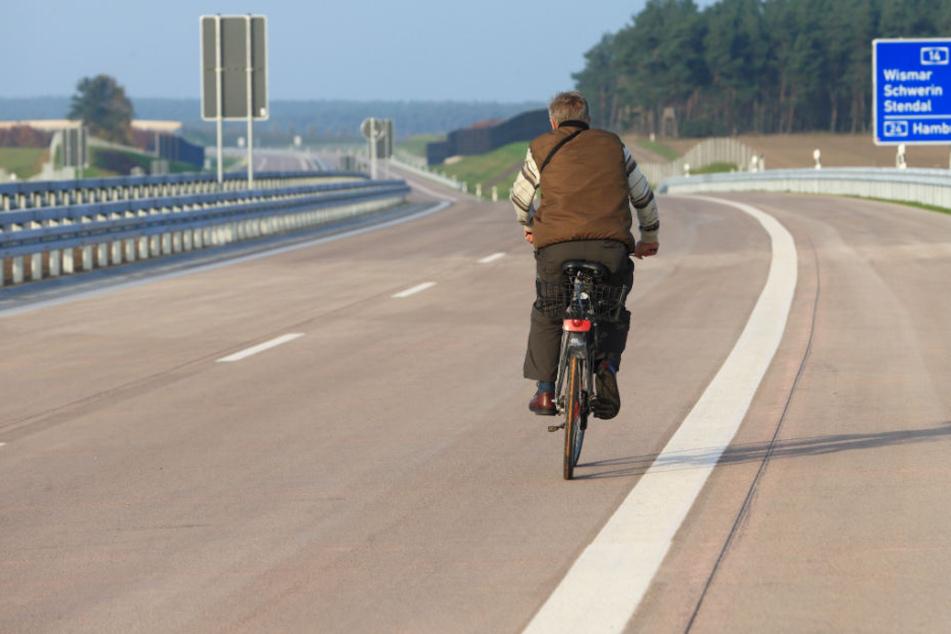 Zwei Fahrradfahrerinnen sind am Wochenende auf der A14 aufgegriffen worden (Symbolbild).