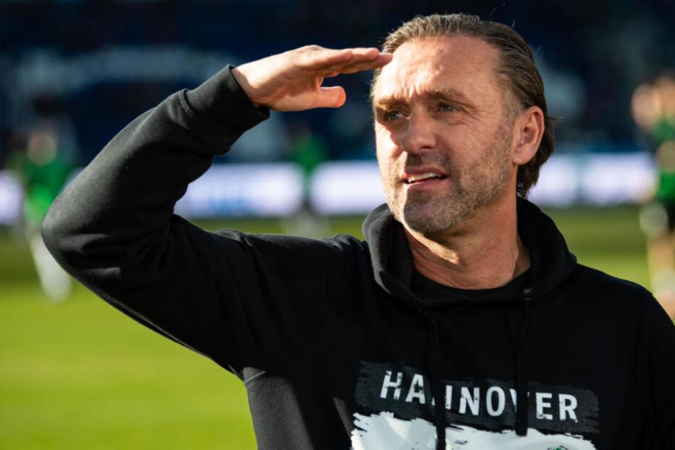 Hannover 96-Trainer Thomas Doll will seine Mannschaft beim Auswärtsspiel in Stuttgart mutig spielen lassen.