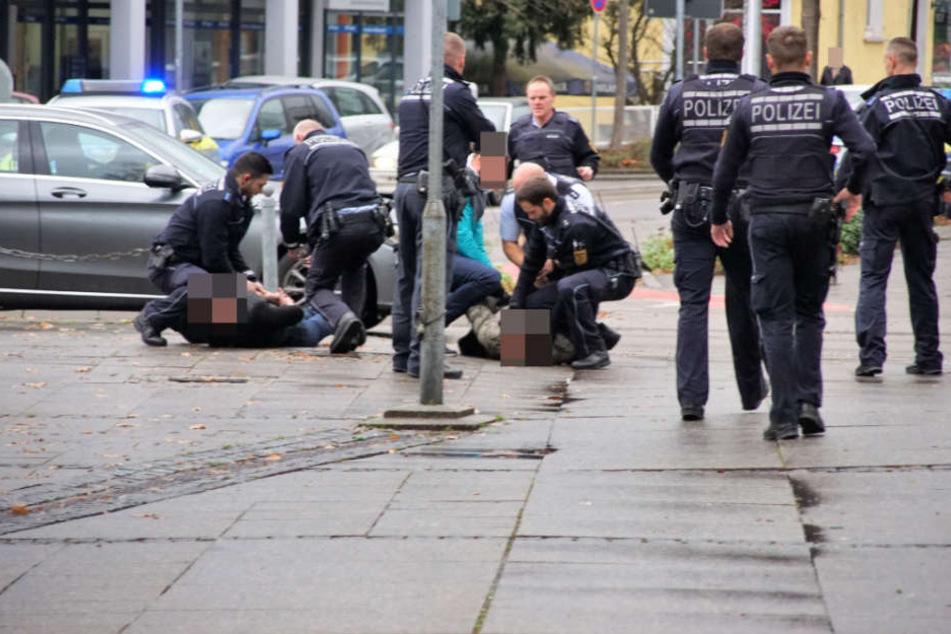 Mann sticht mit Messer zu: Polizei nimmt Tatverdächtigen fest
