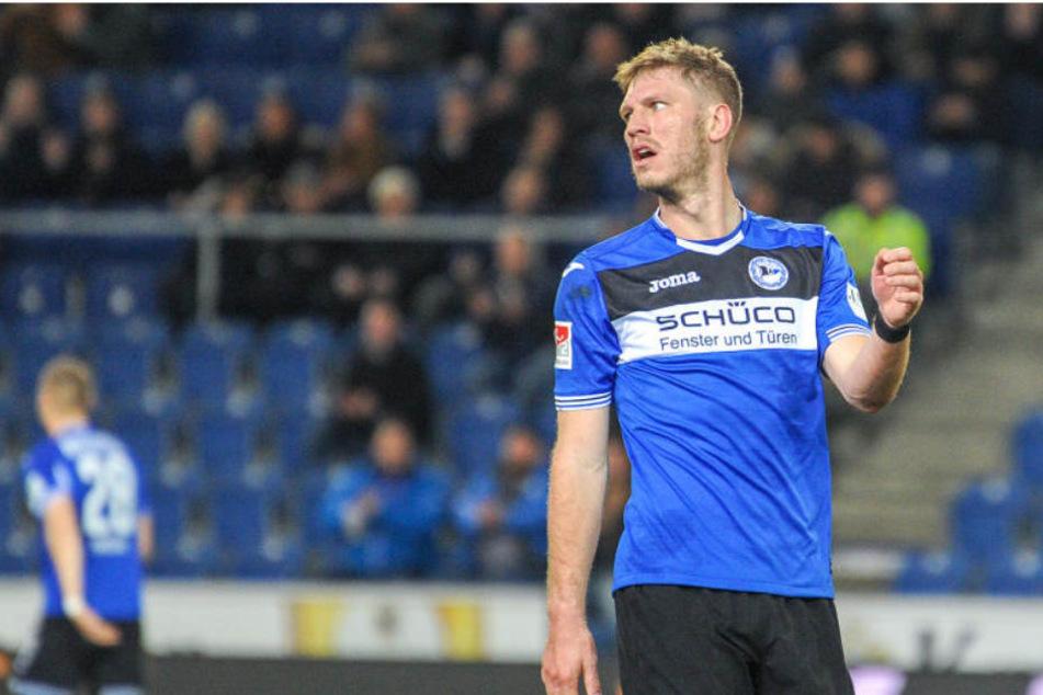 Fabian Klos stellt klar, wie es wirklich mit Eintracht Braunschweig lief.