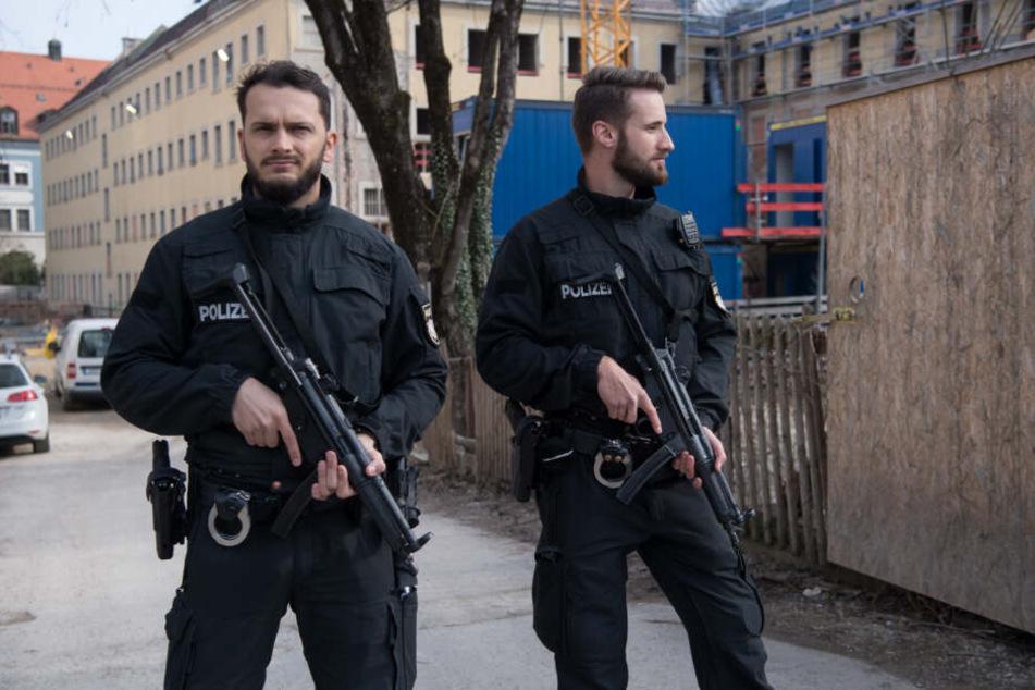 Rund 150 Polizisten war im Einsatz.