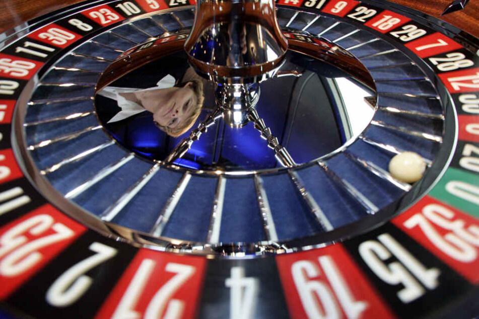 Vier Casinos in Dortmund, Aachen, Duisburg, Bad Oeynhausen und eine Spielbank in Bremen gehören noch dem Land NRW.
