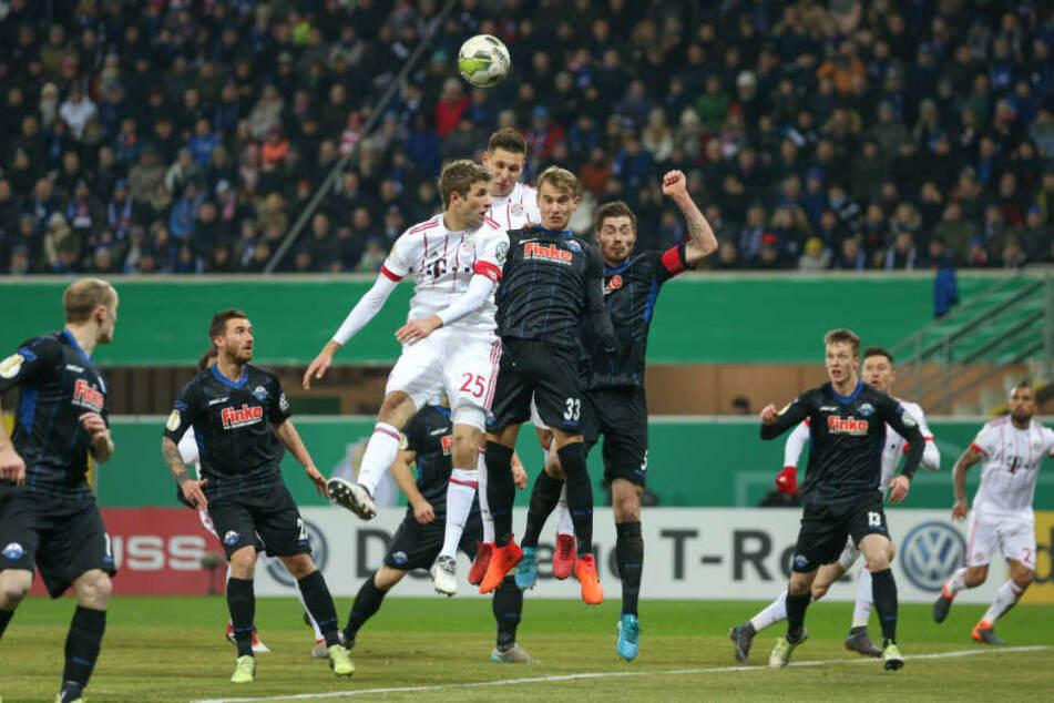 Am Ende waren die Bayern doch eine Nummer zu groß für den SC Paderborn. Sie gewannen mit 6:0 gegen den Underdog.