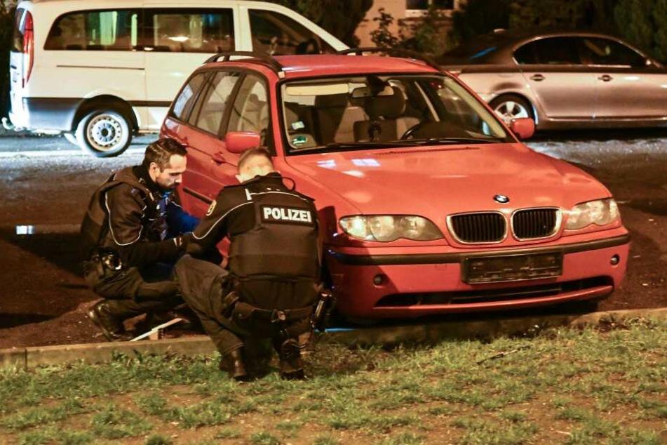 Mysteriöser Vorfall in Magdeburg: Erst fielen Schüsse, dann fehlten von diesem BMW die Kennzeichen.