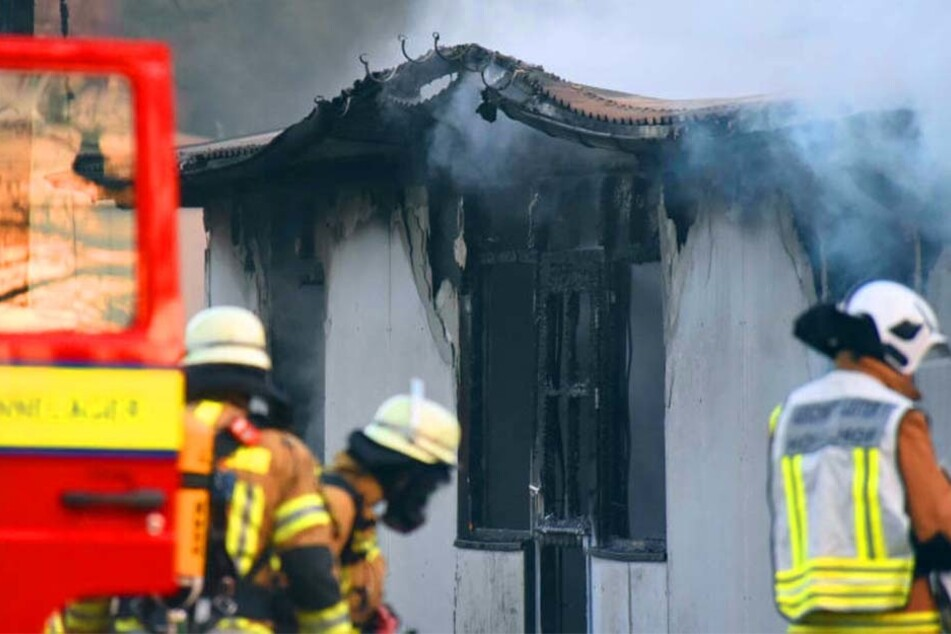 Irgendwann bekamen die Feuerwehrleute die Flammen unter Kontrolle.