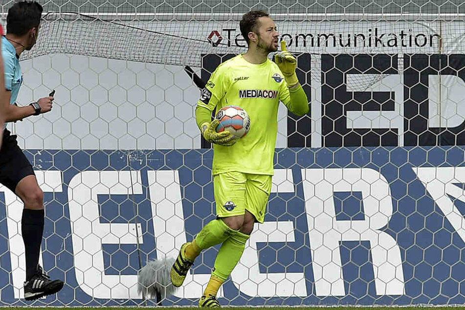 SCP-Keeper Lukas hält in der 30. Minute einen Foulelfmeter vom FSV. Ein Garant für den 3:0-Sieg.