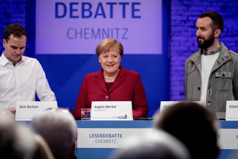 Der Besuch von Bundeskanzlerin Angela Merkel in Chemnitz wurde von zahlreichen Demos und Protesten begleitet.