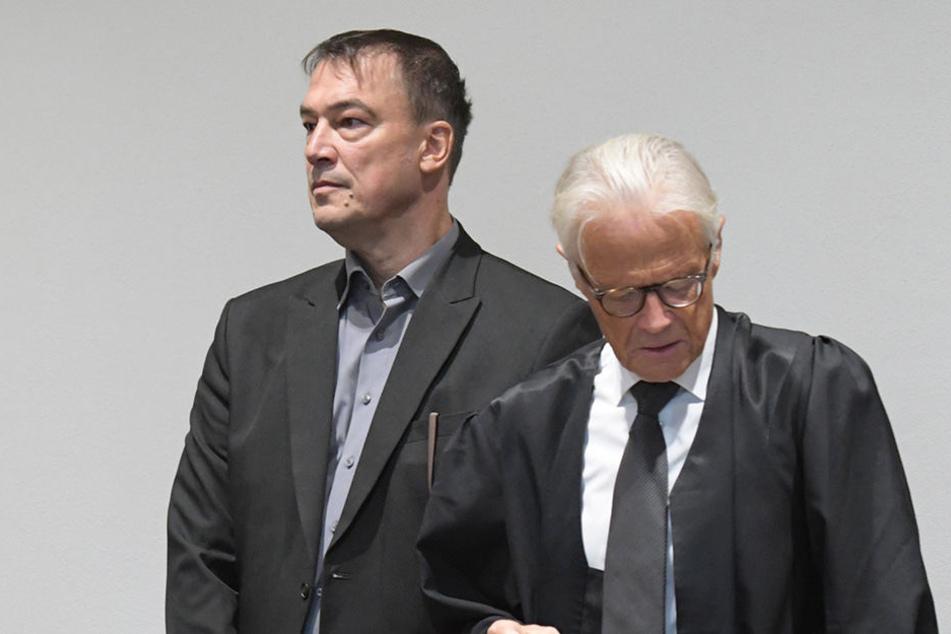 Der ehemalige SPD-Landtagsabgeordnete soll mehrfach schlafende Frauen missbraucht haben.