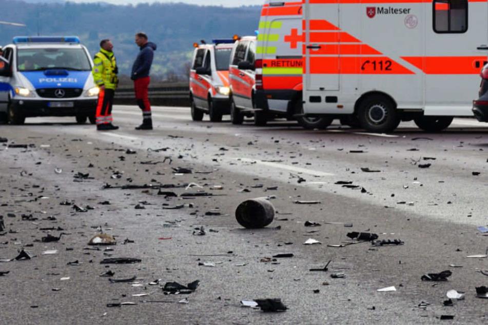 Eine BMW-Fahrerin wurde beim Crash schwer verletzt. (Symbolbild)