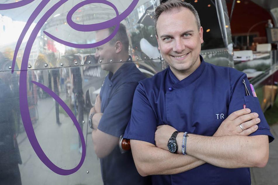 Hat gut lachen: Tim Raue (44) hat es mit seinem gleichnamigen Restaurant in Berlin unter die besten 50 der Welt geschafft.