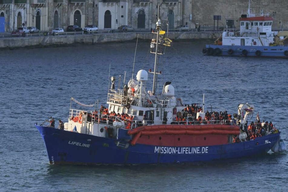 """""""Lifeline""""-Kapitän Claus-Peter Reisch (57) sprach sich am Samstag in Dresden für die Seenotrettung aus."""